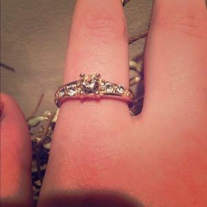 Old navy (fake diamonds) size L. Gold